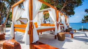 VIP bed | Nikki Beach Ibiza