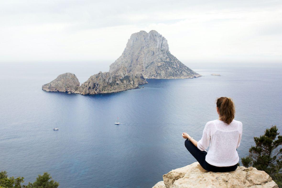 Free Yoga in Ibiza | Massage Beach beauty therapist perks